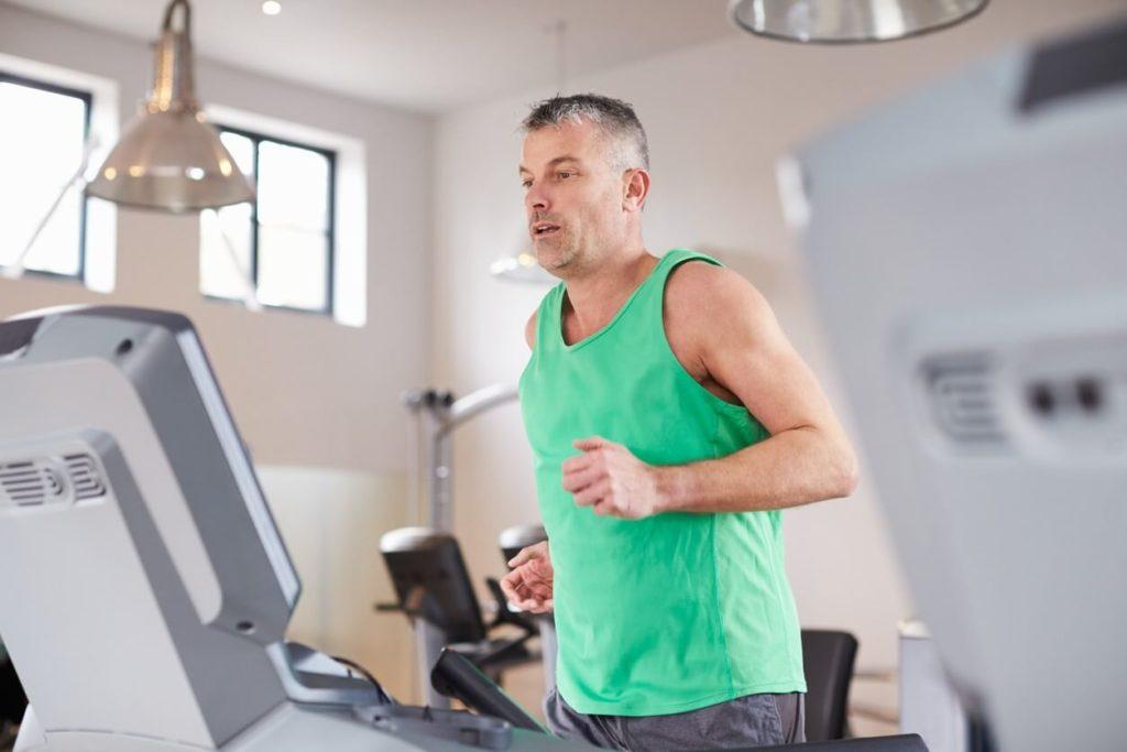 Comment maigrir après 50 ans pour l'homme ?