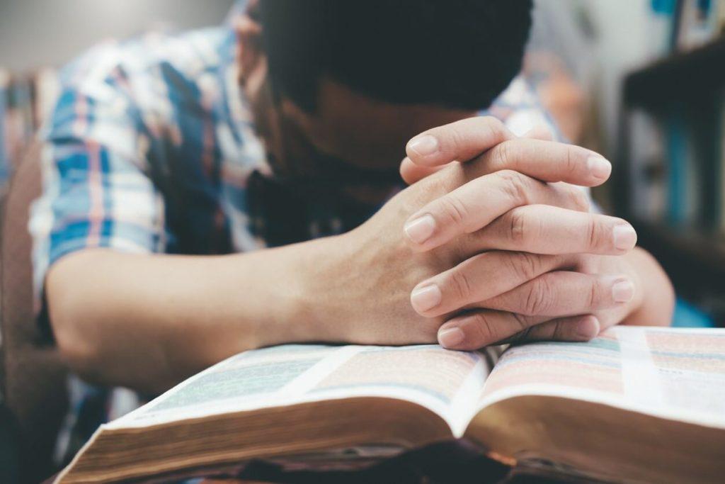 Comment obtenir la puissance de dieu en priant ?