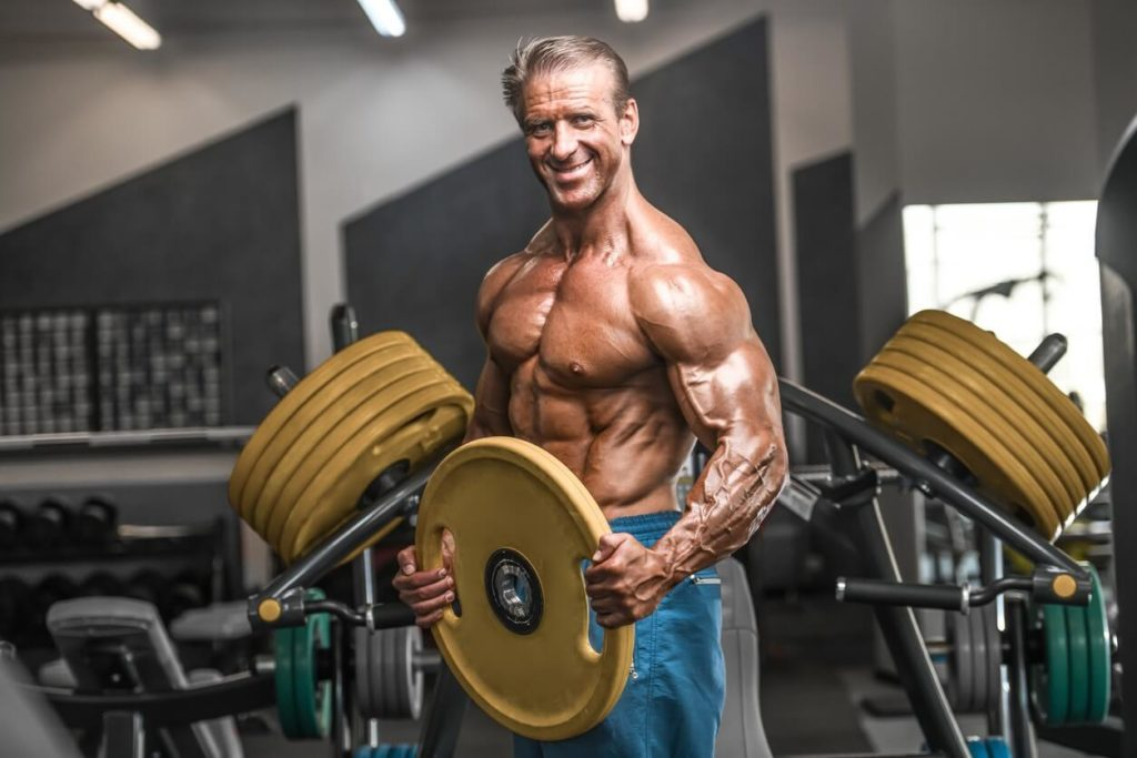 Sénior : comment perdre du ventre avec la musculation ?
